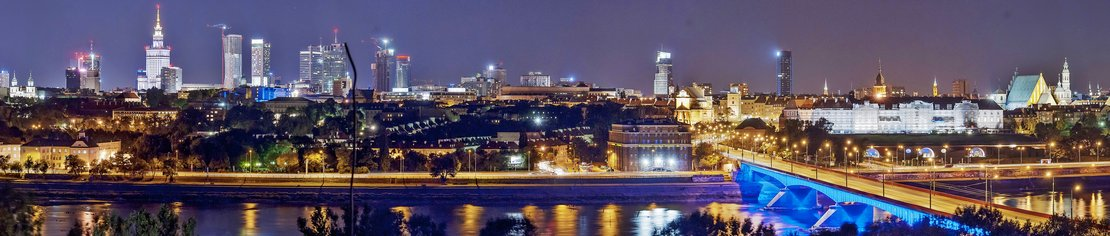 Panorama_of_Warsaw_by_night_1110.jpg